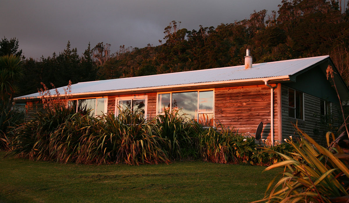 Gentle Annie Seaside Accommodation and Camping Ground, Mokihinui, West Coast, New Zealand